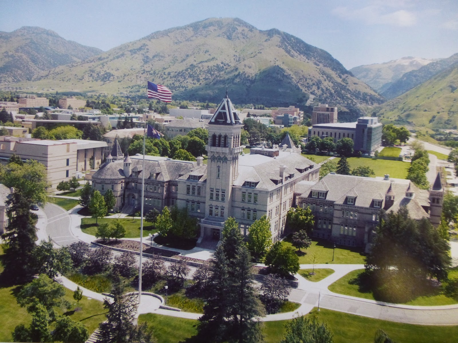 1 USU - aerial view of campus
